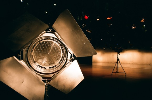 studio_equipment_film_light_spotlight_television_stage_cinema-1168962.jpg!d